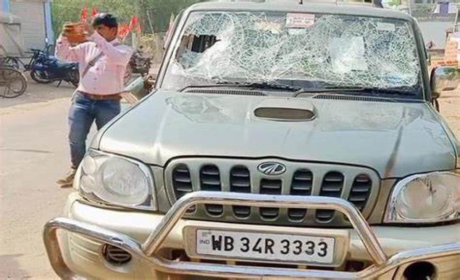 LIVE: बंगाल में बवाल, BJP नेता की कार पर हमला, जानें अब तक कितने वोट पड़े