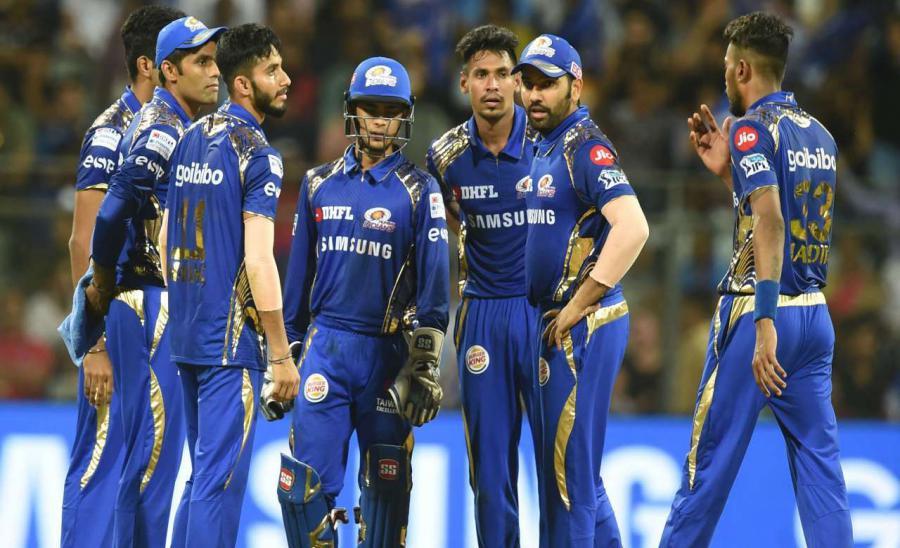 IPL 2021: विराट कोहली की सेना पर अकेले भारी पड़ सकता है मुंबई इंडियंस का यह बल्लेबाज, जमकर कर रहा है तैयारी- देखें VIDEO